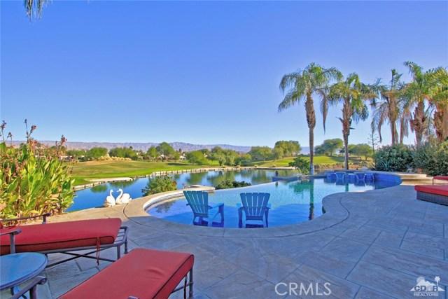 104 Loch Lomond Road, Rancho Mirage CA: http://media.crmls.org/medias/cec7d566-b3af-48ab-85c6-dcd4a5050dcf.jpg