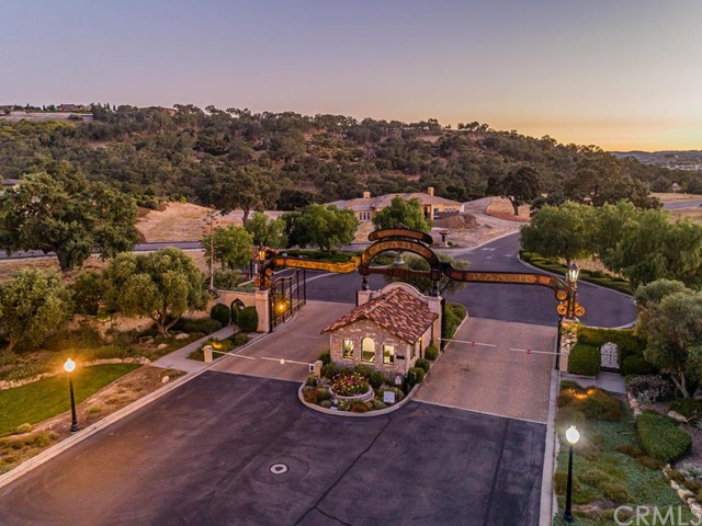 1463 Burnt Rock Way, Templeton CA: http://media.crmls.org/medias/ced529c8-8bf0-4a77-b5d1-26c2c084ffd9.jpg