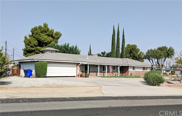 16425 Desert Knoll Drive,Victorville,CA 92395, USA
