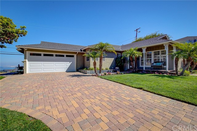 423 Via San Sebastian, Redondo Beach, California 90277, 3 Bedrooms Bedrooms, ,1 BathroomBathrooms,Single family residence,For Sale,Via San Sebastian,SB19216324