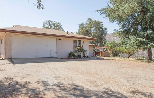 35343 Hopewell Road, Squaw Valley CA: http://media.crmls.org/medias/cef3cd46-577d-4bdf-8261-d6a02b179a75.jpg
