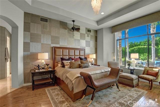 15 Villaggio Place, Rancho Mirage CA: http://media.crmls.org/medias/cef5628c-dd69-4886-9cc5-cb24a9002335.jpg