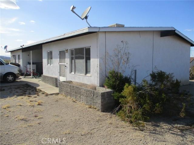 74622 A & B Sunrise Drive, 29 Palms CA: http://media.crmls.org/medias/cf05646b-1767-43cb-9d1f-6f3c7ae92afd.jpg