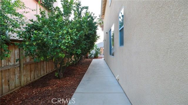 8623 Farmhouse Lane, Riverside CA: http://media.crmls.org/medias/cf084623-e744-420d-bab8-c870751b5be1.jpg