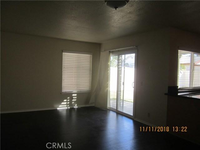 11212 Greenhurst Drive, Riverside CA: http://media.crmls.org/medias/cf089529-6232-4c19-883f-aa3dd514f207.jpg
