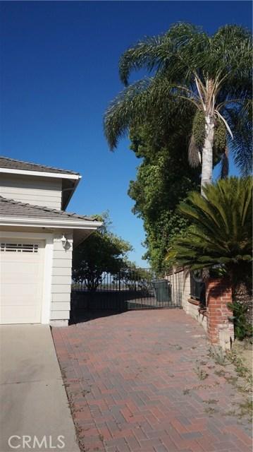 13745 Moonshadow Place, Chino Hills CA: http://media.crmls.org/medias/cf347ac0-7607-409d-8cb8-6e80292ee705.jpg