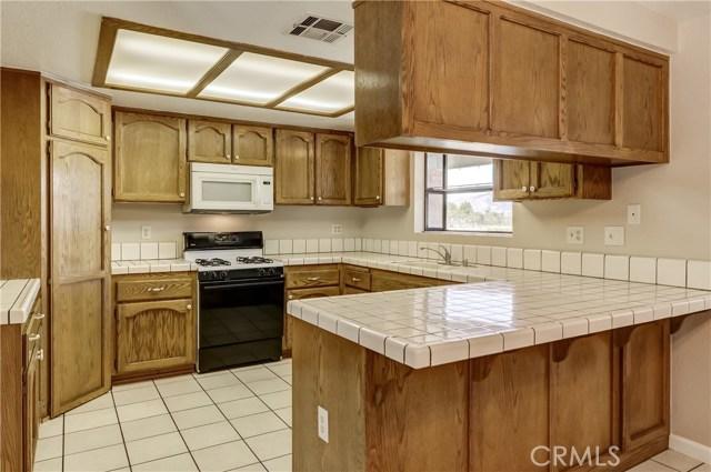 7313 Lyons Avenue Hesperia, CA 92345 - MLS #: CV17128576