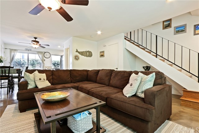 9565 Bickley Drive, Huntington Beach CA: http://media.crmls.org/medias/cf4c7275-3911-4af8-9636-33c952453db6.jpg