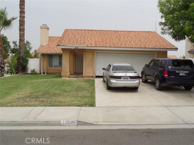 8441 Mimosa Tree Court, Riverside CA: http://media.crmls.org/medias/cf550e15-49f1-47cb-83ae-ca9aca64f4d2.jpg