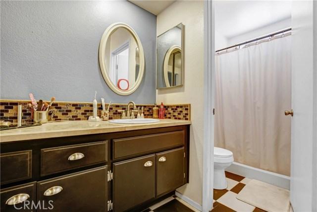 5578 Aster Street, San Bernardino CA: http://media.crmls.org/medias/cf5a5415-df23-4d72-bcf9-cb87799aa186.jpg