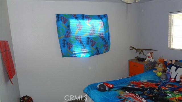320 Ventura Avenue, Chowchilla CA: http://media.crmls.org/medias/cf615747-ffa8-4593-a50f-d8925ef9c2ce.jpg
