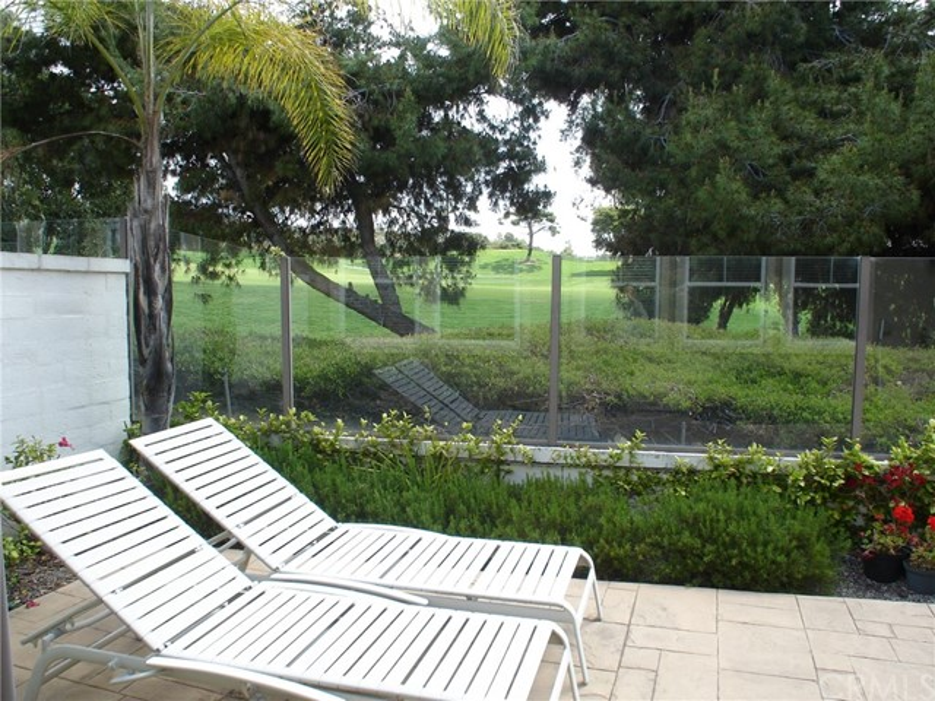 68 Paseo Verde, San Clemente CA: http://media.crmls.org/medias/cf61fd91-68b2-4296-a74c-e4d597412afa.jpg
