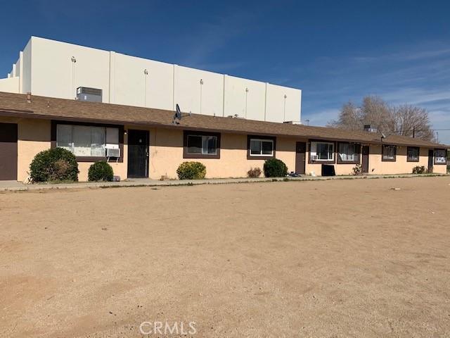 13401 Navajo Road, Apple Valley CA: http://media.crmls.org/medias/cf6470cf-0ff2-4c0c-8ecf-30aebaa56bef.jpg