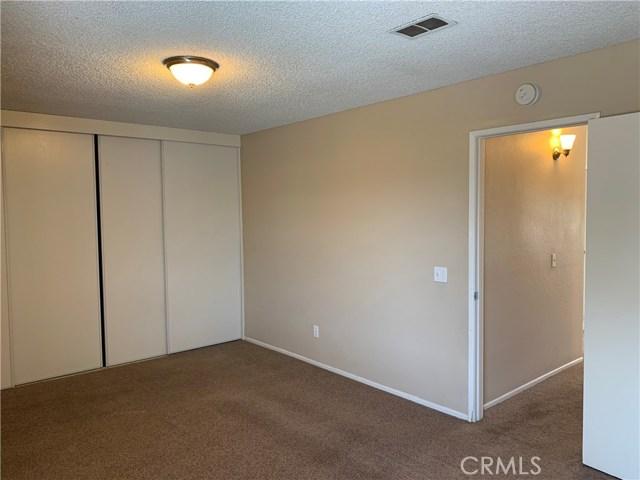 12533 Broadleaf Lane, Moreno Valley CA: http://media.crmls.org/medias/cf6d21e2-acaa-4aaf-8907-ef1a1acfe05c.jpg