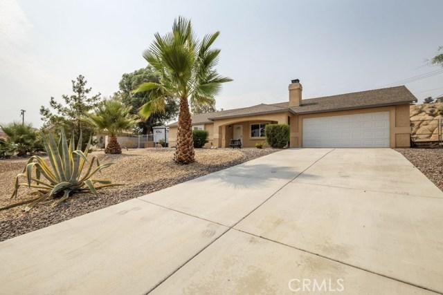 57490 Redondo Street, Yucca Valley CA: http://media.crmls.org/medias/cf6edbf2-798b-4c17-af03-789a6061b444.jpg