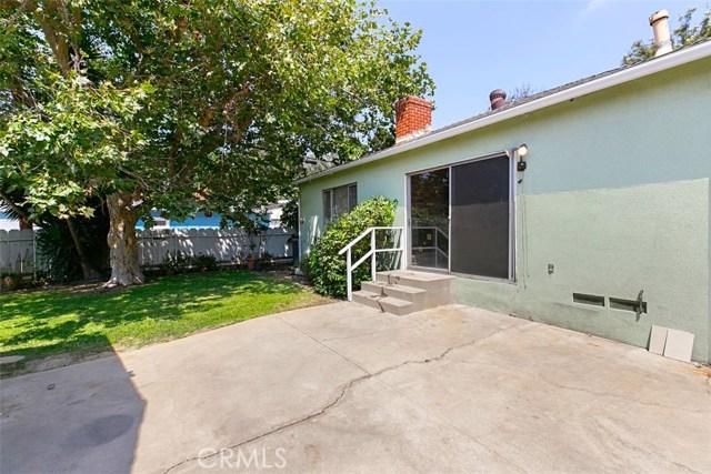 1424 E Armando Drive, Long Beach CA: http://media.crmls.org/medias/cf7140f6-02b0-499f-b6a2-ec0317c8ea8f.jpg