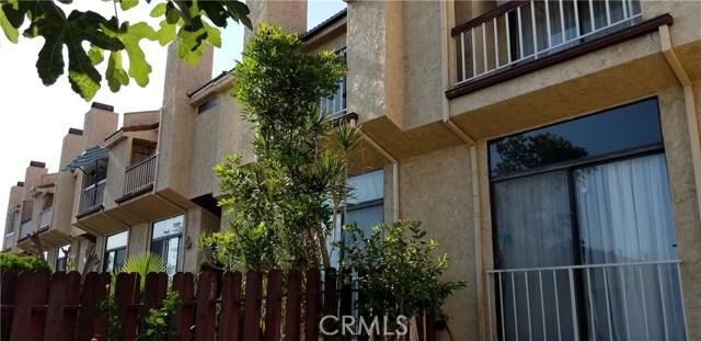 230 N Sierra Vista Street, Monterey Park CA: http://media.crmls.org/medias/cf73a770-7f81-4d47-88b3-cad6716dad12.jpg