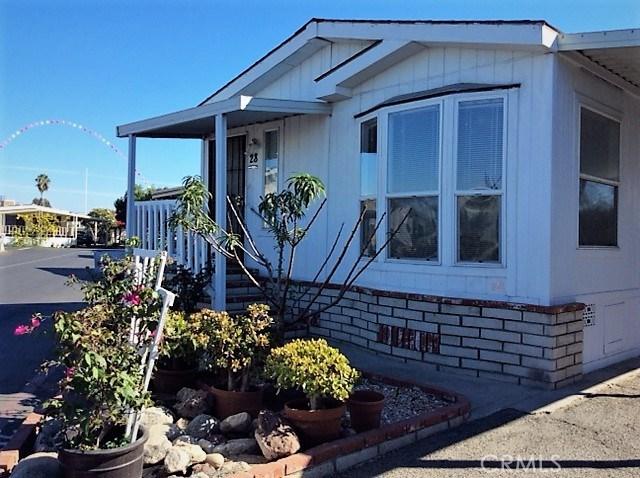432 S Harbor Boulevard, Santa Ana CA: http://media.crmls.org/medias/cf7d535e-a114-4eb0-b652-6ebe4c68ad48.jpg