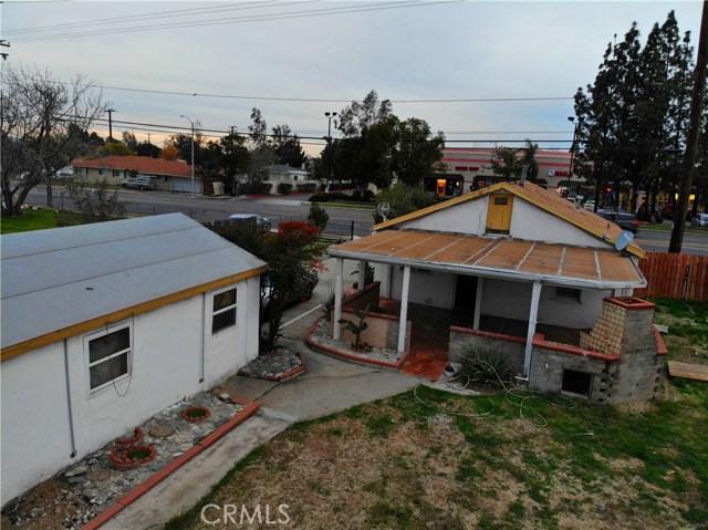 8181 Citrus Avenue, Fontana CA: http://media.crmls.org/medias/cf822d22-744d-43b8-846f-668a0ee72f83.jpg