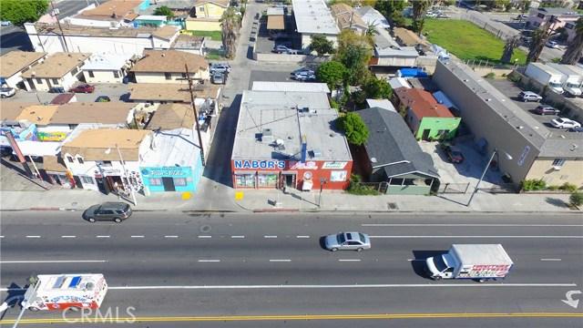 1517 Firestone Boulevard, Los Angeles CA: http://media.crmls.org/medias/cf8e69f9-d38b-4aee-971d-aa99601b127b.jpg