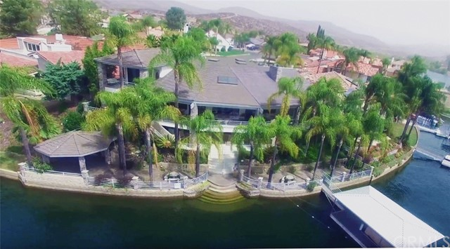 30112 Red Barn Place Canyon Lake, CA 92587 - MLS #: SW17188590