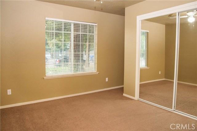 5321 W Fedora Avenue, Fresno CA: http://media.crmls.org/medias/cfaf0bd9-2135-4cad-ac24-25adbdf8f71a.jpg