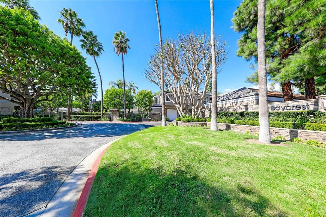 44 Baycrest Court, Newport Beach CA: http://media.crmls.org/medias/cfb57b85-90ae-4cbf-9805-c358d3cc3095.jpg