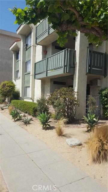 4515 California Avenue, Long Beach CA: http://media.crmls.org/medias/cfb628bc-014e-46e8-8cb7-30797bd02d28.jpg