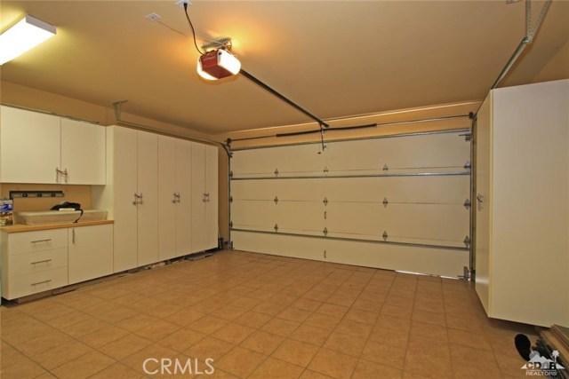 46180 Cypress Estates Court, Palm Desert CA: http://media.crmls.org/medias/cfc53ac8-f3f5-4055-90e5-70d23dce1440.jpg