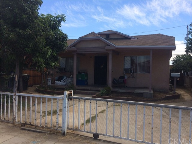 714 S Woods Avenue, Los Angeles CA: http://media.crmls.org/medias/cfd6f8c4-5d26-4f5f-88df-b14ad51b9613.jpg