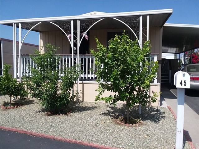 1315 E Marshall Boulevard, San Bernardino CA: http://media.crmls.org/medias/cfdbe4b2-ad22-4645-b55c-9419da5965ae.jpg
