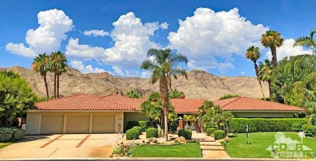 Photo of home for sale at 71155 Thunderbird Terrace, Rancho Mirage CA