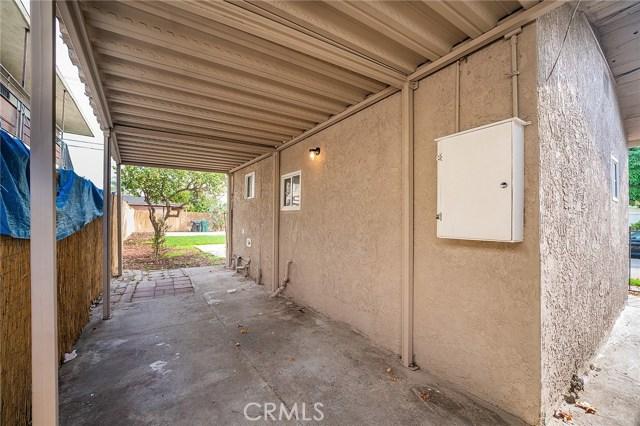 8230 Compton Avenue, Los Angeles CA: http://media.crmls.org/medias/cfe3b769-989b-4b89-b77b-23053e85f241.jpg