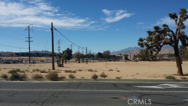 57794 Twentynine Palms, Yucca Valley CA: http://media.crmls.org/medias/cff02fc9-1e37-4e48-8795-c0306fdbdfed.jpg