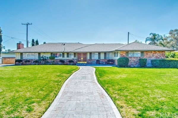 Single Family Home for Sale at 735 Parkdale Drive E San Bernardino, California 92404 United States