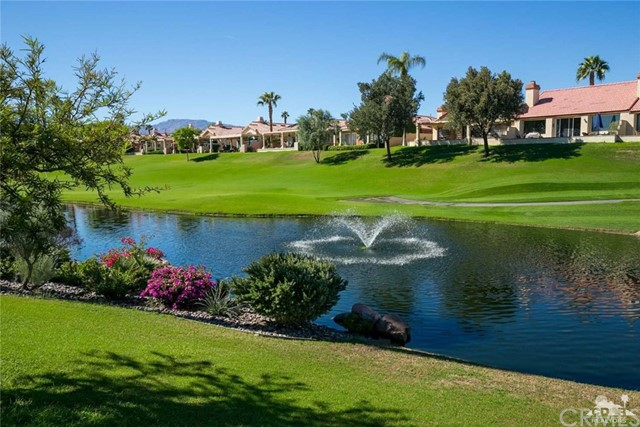 42661 Turqueries Avenue, Palm Desert CA: http://media.crmls.org/medias/d0051491-8006-4e30-8bb6-9616a0139cfd.jpg