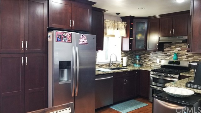 8549 Smallwood Avenue, Downey CA: http://media.crmls.org/medias/d005318e-ac1e-4f71-aecc-eda5a2d31ee8.jpg