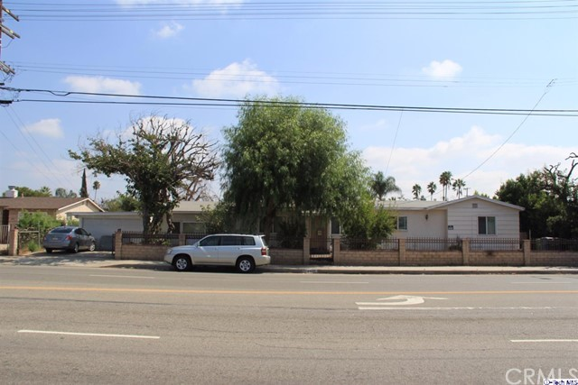 Single Family Home for Sale at 8020 Coldwater Canyon Avenue 8020 Coldwater Canyon Avenue North Hollywood, California 91605 United States
