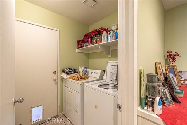 1863 W Avenue H8, Lancaster CA: http://media.crmls.org/medias/d01d762c-bf9e-4119-afe6-8887607a3a6a.jpg