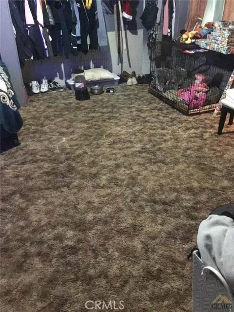 5129 Coronado W Street, Bakersfield CA: http://media.crmls.org/medias/d0212311-3d02-497b-9b4c-0831eae051b7.jpg
