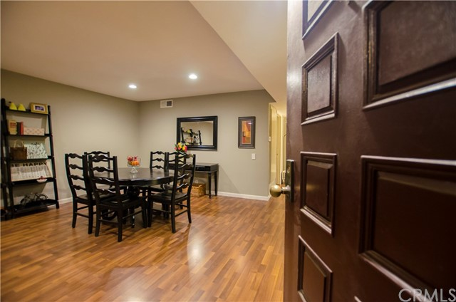 1809 Peyton Avenue 113 Burbank, CA 91504 is listed for sale as MLS Listing OC17273609