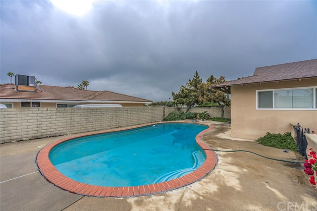 7533 Leucite Avenue, Rancho Cucamonga CA: http://media.crmls.org/medias/d0238669-c5d7-429f-abd2-2a2ff3fb98df.jpg