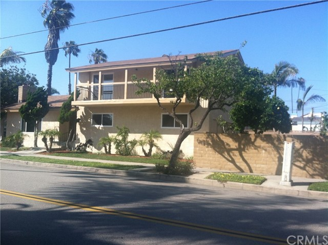 602 15th Street Huntington Beach, CA 92648 is listed for sale as MLS Listing OC17107606