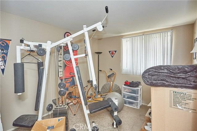15900 Ninya Avenue, Moreno Valley CA: http://media.crmls.org/medias/d031cfff-5197-4067-81f6-016d11cbfdb2.jpg