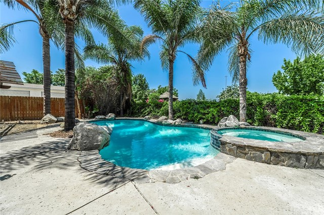 10448 La Tuna Canyon Rd, Sun Valley, CA 91352 Photo