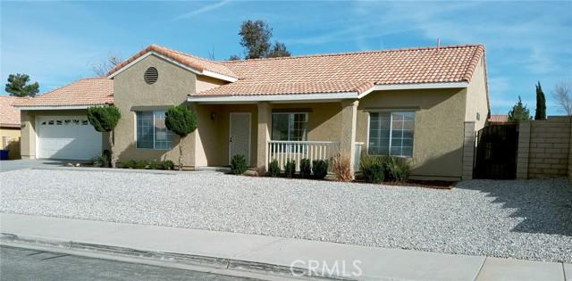 13009 Wrangler Lane, Victorville CA: http://media.crmls.org/medias/d0517bea-a3a1-4a33-8155-dd69f9f8d14b.jpg