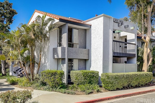 Photo of 2323 Huntington Street #902, Huntington Beach, CA 92648