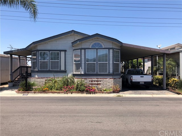 10001 Frontage W Road, South Gate CA: http://media.crmls.org/medias/d05b3d5e-fc3e-4eb0-ac9f-ceb97fb09d38.jpg