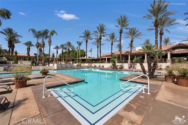 79840 Rancho La Quinta Drive, La Quinta CA: http://media.crmls.org/medias/d06006e8-639a-40b7-b785-88b1fc493d61.jpg