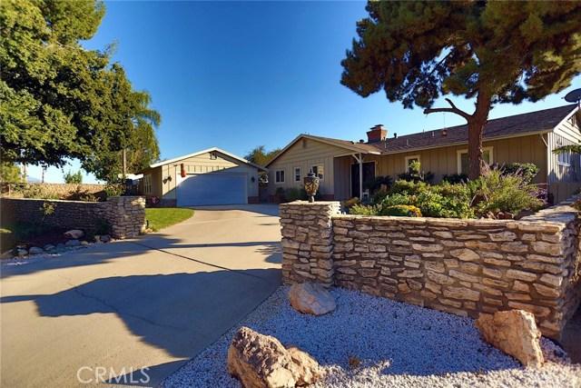 2351 Willow Drive, San Bernardino CA: http://media.crmls.org/medias/d06f4cd7-186e-438b-b1ad-c7eccb2c4987.jpg